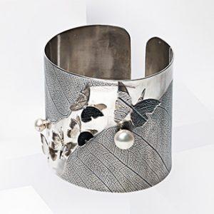 Bratara cu fluturi si perle din argint